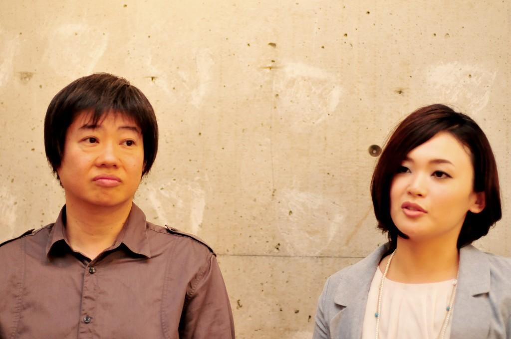 はんだづけカフェ若山雅弘さん(左)、小室真紀さん